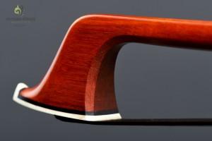 Ponce Pfretzschner Bow Detail 1